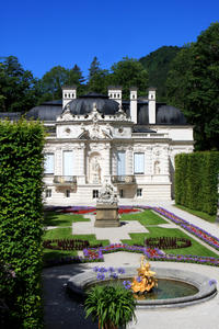 Small-Group Neuschwanstein and Linderhof Castle Luxury Coach Day Trip from Munich