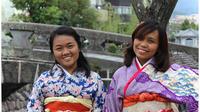 Easy-to-Wear Kimono Rental By The Megane Bridge