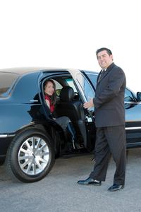 Private Departure Transfer: Los Angeles Hotels to LAX International Airport by Sedan