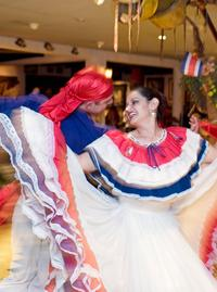 San Jose Super Saver: City Sightseeing plus Traditional Music and Dance Show with Dinner