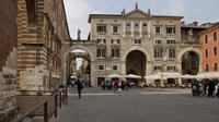 Verona family-friendly tour: on the traces of Juliet and Romeo:
