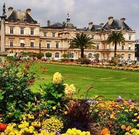 Small-Group Luxembourg Gardens Walking Tour in Paris