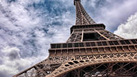 Small Group Skip-the-Line Eiffel Tower Tour with Wi-Fi Access