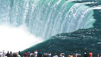 Private Arrival Transfer: Toronto Airport to Niagara Falls, Canada Private Car Transfers