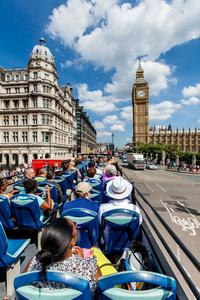 HOHO Bus & Big Ben