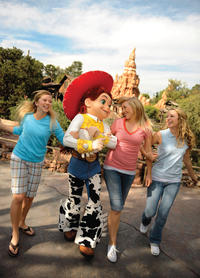 Las Vegas to Anaheim Multi-Day Tour Including Disneyland and California Adventure Hopper Pass