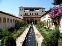 2-Day Granada Tour from Seville Including Skip-the-Line Access to Alhambra Palace and Arabian Baths