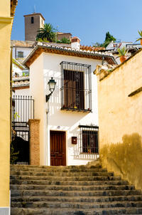 Granada Day Trip from Seville Including Skip-the-Line Entrance to Alhambra Palace and Optional Albaicin Walking Tour