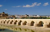 Excursión de 2 días de Córdoba desde Sevilla, incluidas Medina Azahara, Carmona y evite la colas de la entrada a la Mezquita-Catedral