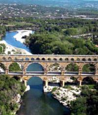 Saint Remy, Les Baux and Pont du Gard Small Group Day Trip