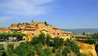 Small-Group Luberon Day Trip from Avignon Including Roussillon Ochre Trail Hike and Wine Tasting*