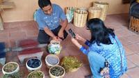 Hierve el Agua, Mezcal Tasting and Teotitlan del Valle Tour from Oaxaca