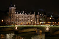 Ghosts, Mysteries and Legends Night Walking Tour of Paris