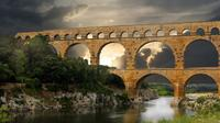 Full Day Provence Villages and Historical Monuments Walking Tour from Avignon