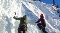 Ice Climbing in Maligne Canyon