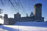 Boxing Day Tour to Warwick Castle, Stratford-upon-Avon, The Cotswolds and Oxford