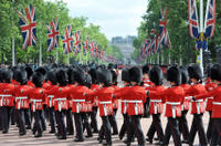 Royal London Sightseeing Tour with Changing of the Guard Ceremony