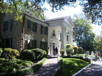 Main View of Elvis' mansion at Graceland.*