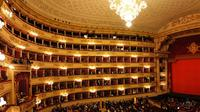 Last minute private tour of Milan with skip-the-line ticket to Teatro alla