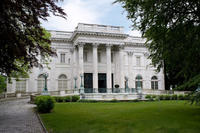 Newport Mansions and Waterfront Sightseeing Tour from Boston