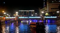 Private Night Sightseeing Tour with River Cruise from Singapore