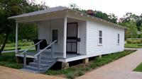 Elvis Presley Birthplace Park in Tupelo with Transport from Memphis