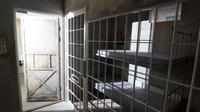 Live escape game in a prison in San Fernando