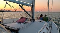 Private Chicago Sunset Sail on Lake Michigan