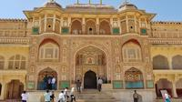 Jaipur: Tour the Magnificent Amber Fort with Private Transfer