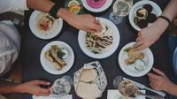 Small Group Food,Coffee and Market Walking Tour in Vienna