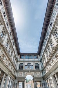 VIP Experience: Uffizi Gallery and Vasari Corridor Walking Tour Including Terrace Breakfast