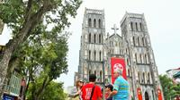 Ho Chi Minh's Hanoi Small Group Adventure Tour