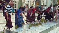 Tradition and Culture Small Group Tour in Yagon Including Shwedagon Pagoda Visit