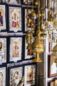See the sights of Jerusalem Old City on a religious walking tour!*