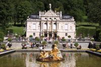 Royal Castles Tour from Frankfurt: Neuschwanstein Castle and Linderhof Palace