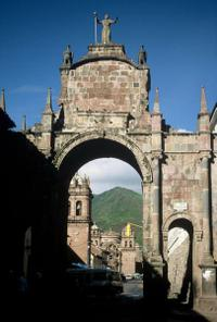Awana Kancha and San Blas Tour from Cusco