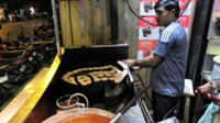 Eat Like a Local: Mumbai Street Food Tour by Night