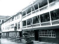 Historical Pub Walking Tour of London