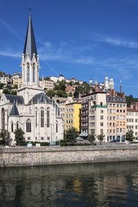 Private Arrival Transfer: Gare de Lyon Saint-Exupery to Lyon Hotel