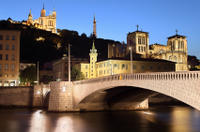 Shared Departure Transfer: Lyon Hotel to Lyon-Saint Exupery