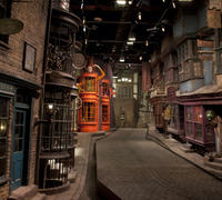Warner Bros. Studio Tour London - The Making of Harry Potter and Oxford Day Trip from London