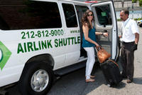Shared Arrival Transfer: New York Airports to Hotel