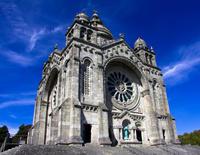 Santiago de Compostela and Valença do Minho Day Trip from Porto with Lunch