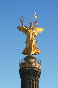 Warnemünde Shore Excursion: Private Tour of Berlin's World War II and Cold War Sites