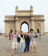 Mumbai Morning Tour Including the Gateway of India, the Elephanta Caves and a Mumbai-Style Breakfast