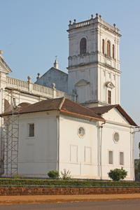 Private Portuguese Heritage Tour: Se Cathedral, Basilica of Bom Jesus and Dona Paula Beach in Goa