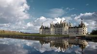 Small-Group Tour to Chambord and Chenonceau Chateaux with Lunch at a Family Chateau from the town of Tours