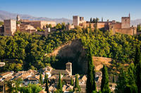 Skip-the-Line Alhambra and Generalife Gardens Tour in Granada