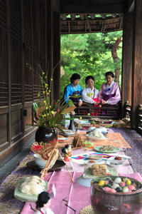 National Museum of Korea and Unhyeongung Royal Residence Tour Including Traditional Korean Meal
