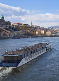 Budapest Super Saver: Budapest Card and Cocktail and Beer Cruise